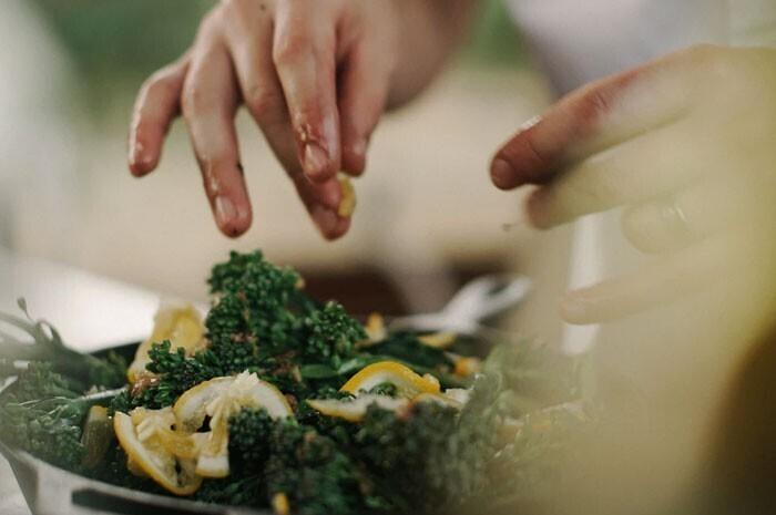 """""""Быстрое поджаривание сухих специй на сковороде перед готовкой поможет здорово раскрыть их аромат"""""""