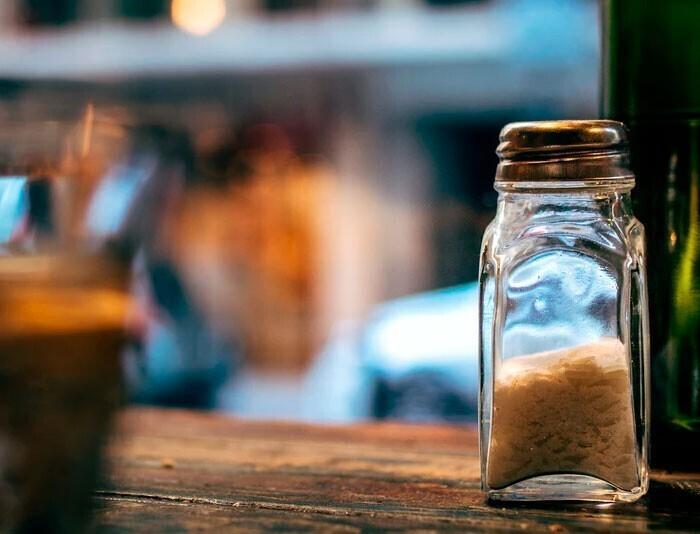 """""""Соль, перец и лимонный сок - то, что украсит любое блюдо, если вам кажется, что в нем чего-то не хватает. И даже не нужны бесчисленные пакетики со смесями приправ"""""""