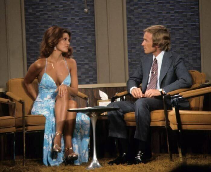 Ракель Уэлч выступает в шоу Дика Кавитт, лето 1970 года