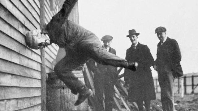 Испытание шлемов для пилотов, 1912 год