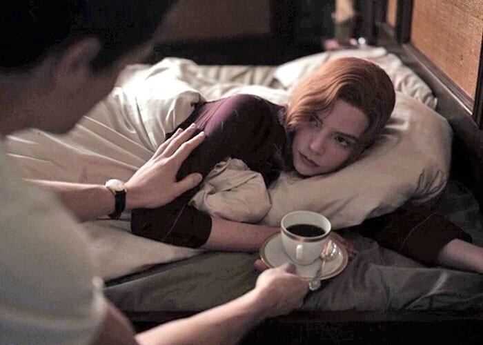 """""""Девушки в кино всегда просыпаются с идеальной прической и макияжем"""""""