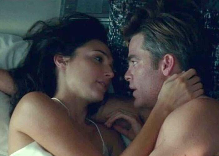 """После секса в кино никто никогда не ходит в душ"""