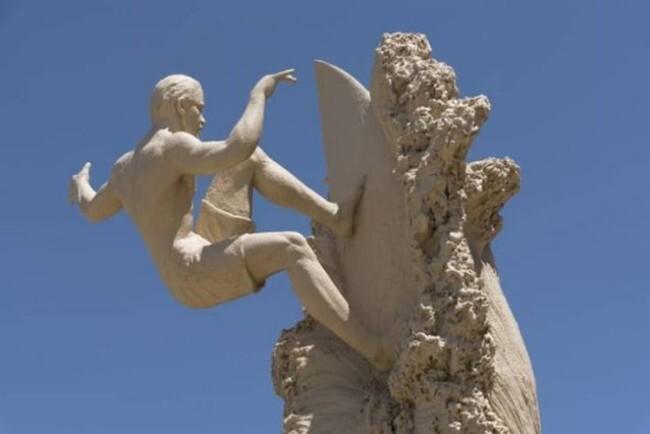 Скульптуры из песка поражают воображение окружающих