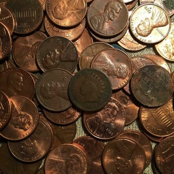 """""""В стопке монет из банка приехал однопенсовик, которому 129 лет"""""""