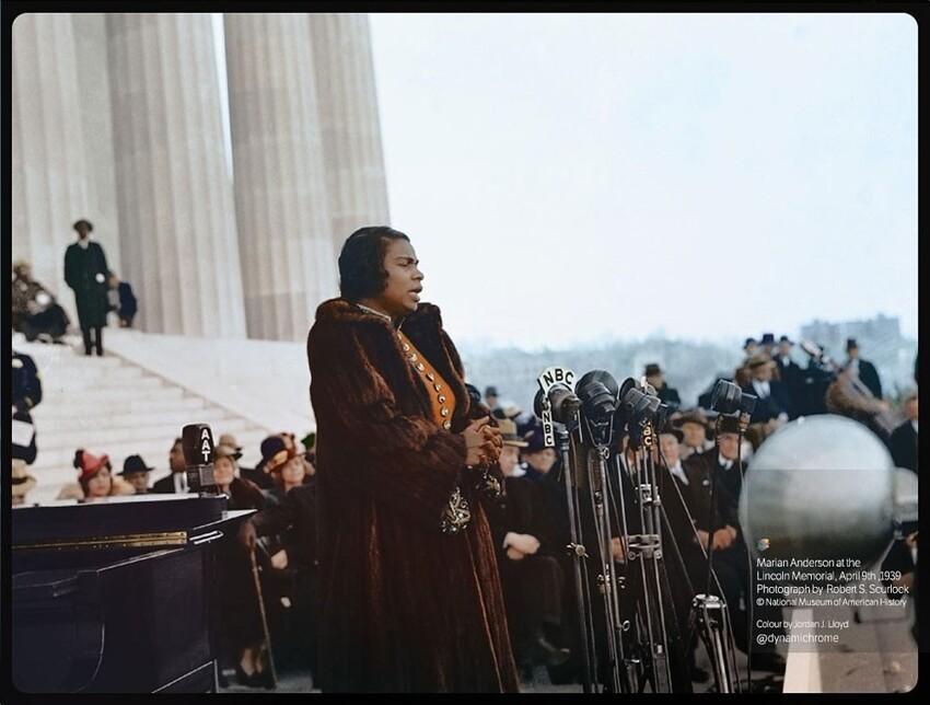17. Мариан Андерсон у мемориала Линкольна, 1939 год