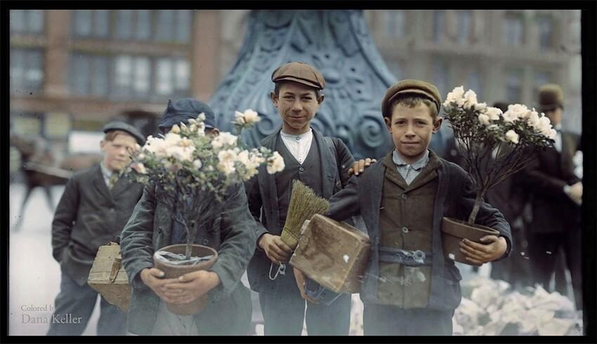 9. Дети покупают цветы на Юнион-сквер, Нью-Йорк, 1908 год