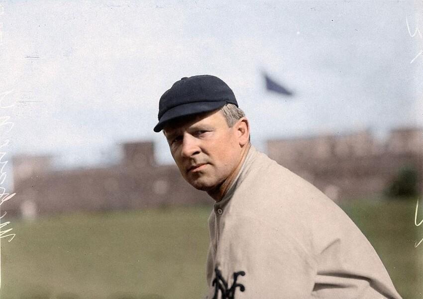 19. Джон «Магси» Макгроу, член Зала славы бейсбола и менеджер «Нью-Йорк Джайентс» с 1902 по 1932 год