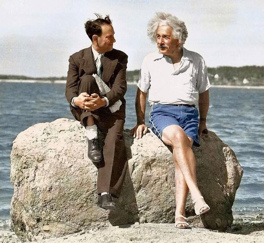 38. Альберт Эйнштейн на пляже в Лонг-Айленде, 1939 год