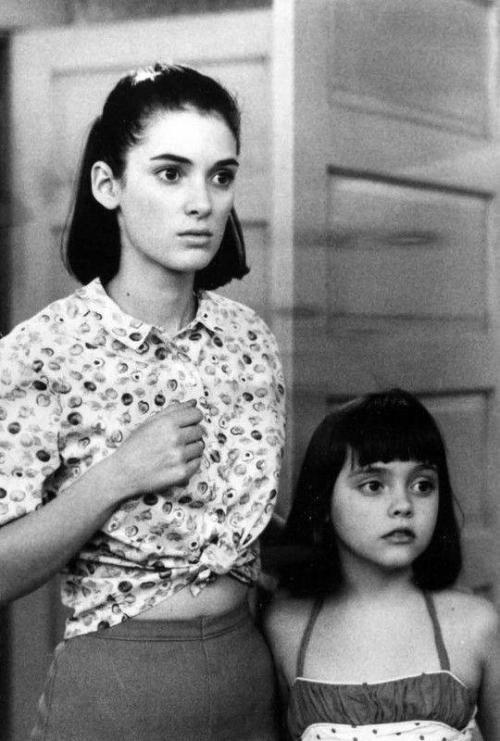 11. Вайнона Райдер и Кристина Риччи в 1989 году