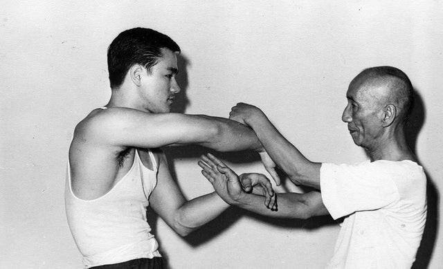 1. Брюс Ли и его учитель, 1955 год