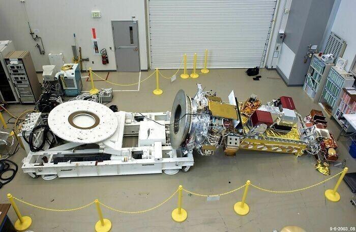 """В 2003 году техник забыл отметить, что он удалил 24 болта во время обслуживания спутника Noaa-19. В результате спутник упал, что привело к ущербу в 135 тысяч долларов. Вот у кого точно был плохой день"""""""
