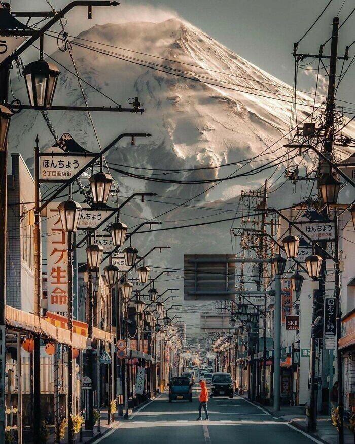 Гора Фудзи: вид из близлежащего городка