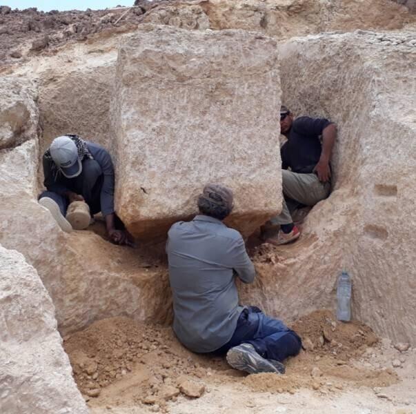 24. Копирование блока Великой пирамиды с помощью медных долот - 4 рабочих всего за 4 дня вырезали этот блок массой 2,5 тонны