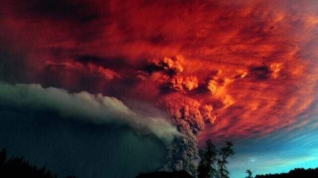33. Вулкан Пуйеуэ в Чили - эффектное сочетание цветов