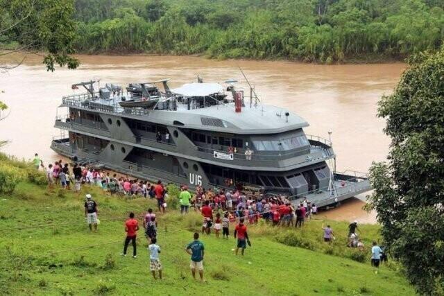 21. Бразилия содержит флот плавучих госпиталей, которые причаливают к прибрежным деревням и бесплатно лечат местных жителей