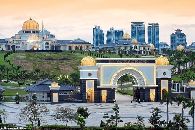 Королевский дворец Истана-Негара, Куала-Лумпур, Малайзия