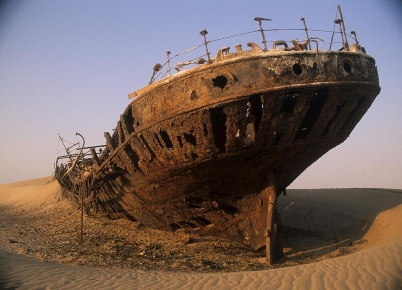 30 кадров с корабельного кладбища