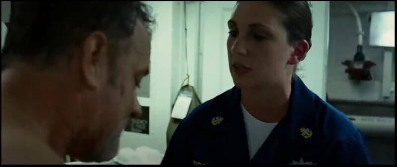 """В фильме """"Капитан Филлипс"""" (2013) медик, которого сыграла Даниэль Альберт, на самом деле врач военно-морского флота. Ей сказали действовать так, будто это обычные военные учения, поэтому большая часть была импровизацией"""