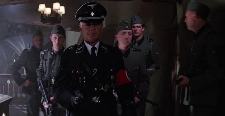 """В фильме """"Индиана Джонс и последний крестовый поход"""" (1989) нацистская одежда - настоящая униформа времен Второй мировой войны. Ее нашла художница по костюмам Джоэнна Джонстон"""