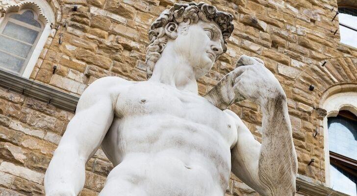 Статуя Давида была вырезана из забракованного куска камня