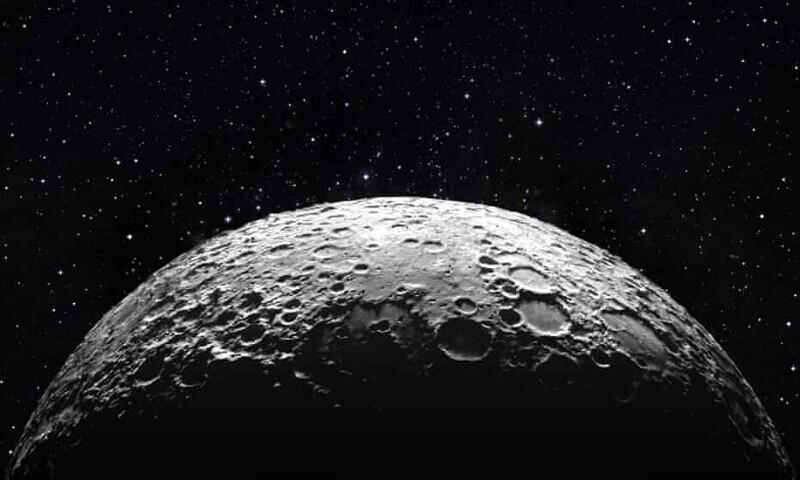 В 1950-х США хотели сбросить атомную бомбу на Луну