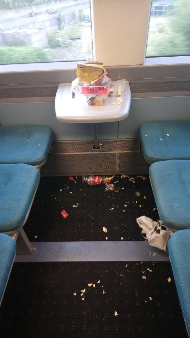 Неприятно обнаружить такое в поезде