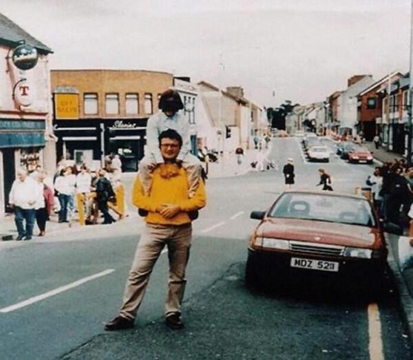 1. Отец и дочь в Оме, Северная Ирландия