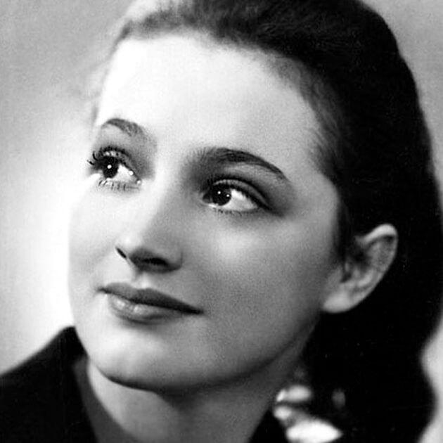 В них были влюблены все мальчишки СССР. 13 самых сексуальных актрис советского кино.