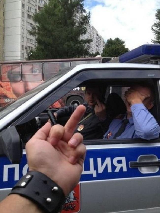 porno-imeet-goluyu-devushku-v-avtobuse