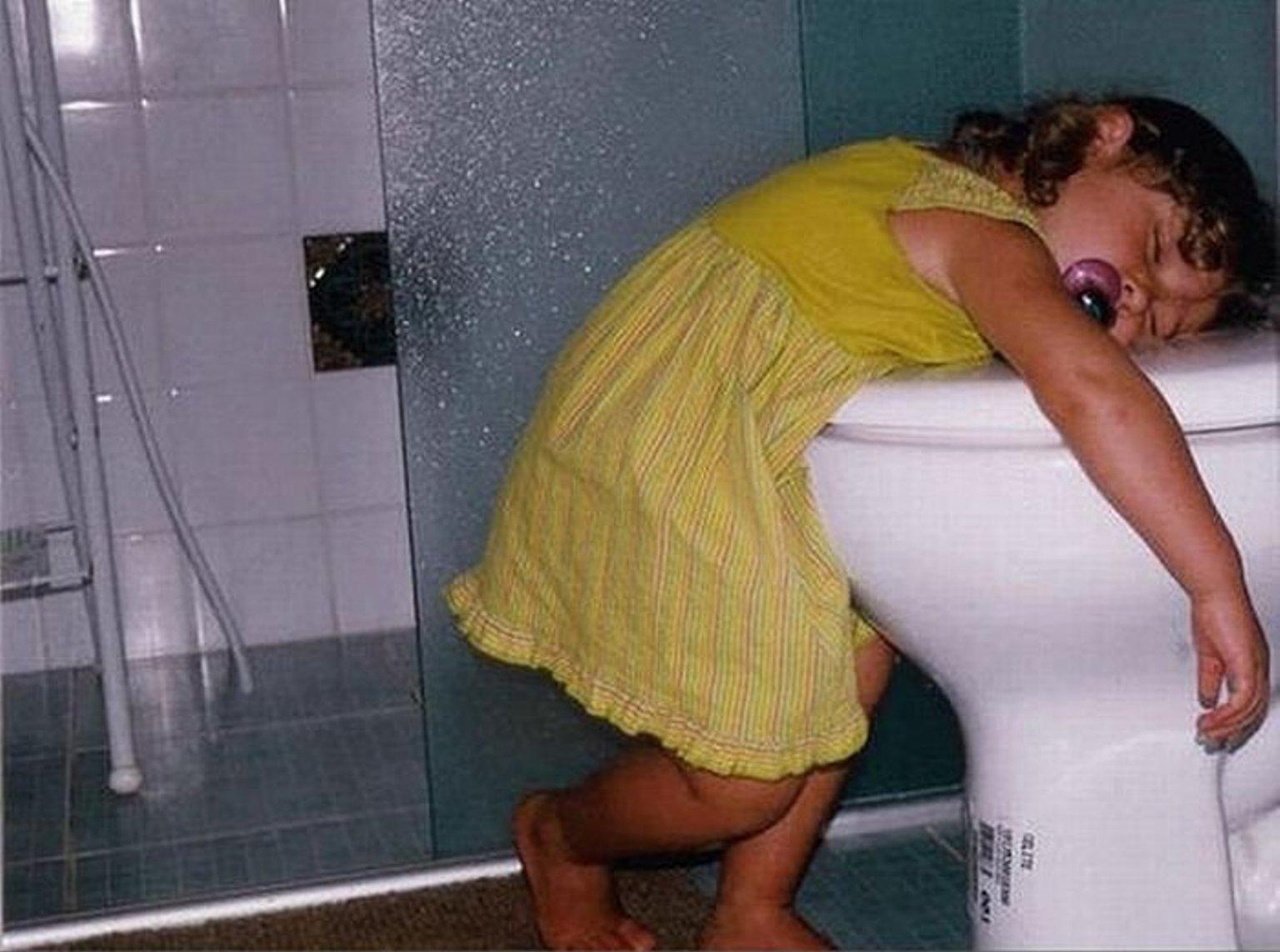 Пьяный ночью туалет 13 фотография