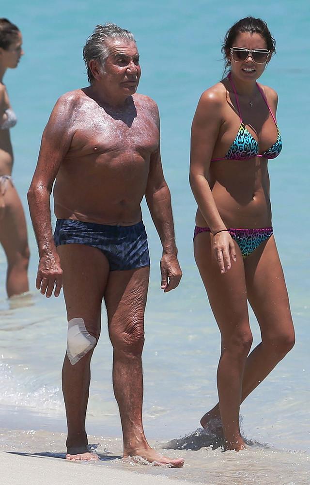 Богатые «пенсионеры» и их прекрасные жены