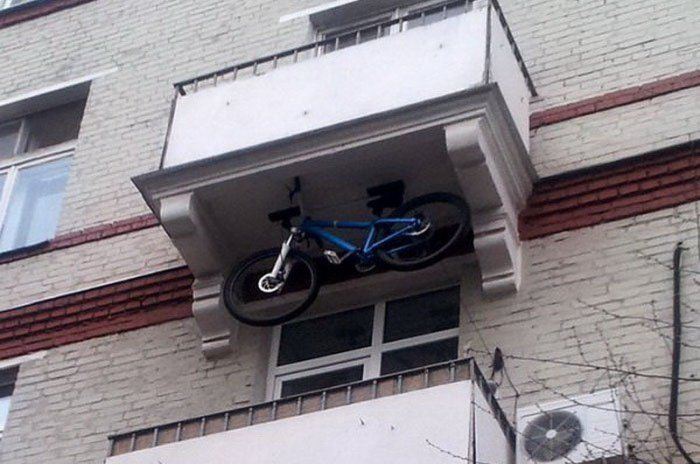 Да ну, на...! Или тайны российских балконов...(иногда 18+)
