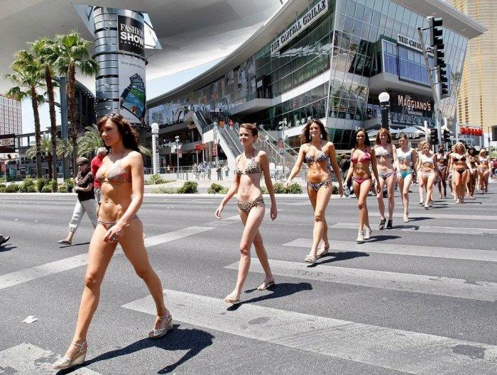 Немного маразма и креатива. Хит - парад женских купальников (18+)