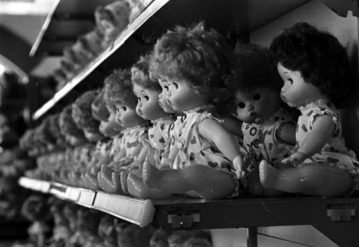 The discreet charm of Socialism... The USSR dolls!