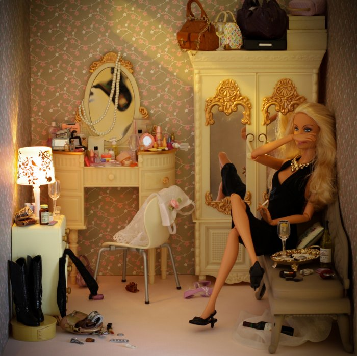 I m a Barbie girl in my Barbie world… Come on Barbie let`s go party!