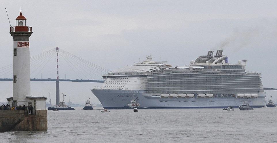 «Гармония морей» это не элитный жилой квартал, а самый большой океанский лайнер!