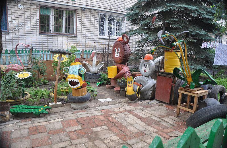 Детская площадка во дворе своими руками из подручных материалов фото