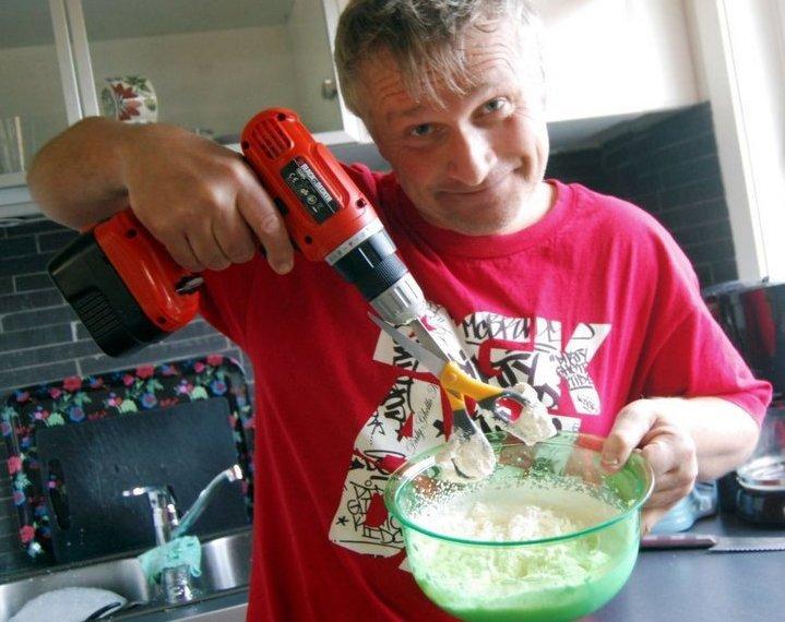 Мужчина на кухне картинки прикольные, поздравление днем военно