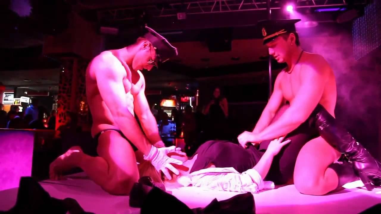 striptiz-v-klubah-video