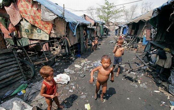 Жизнь бывает разной, но люди привыкают ко всему! А вы бы смогли жить в таких условиях?