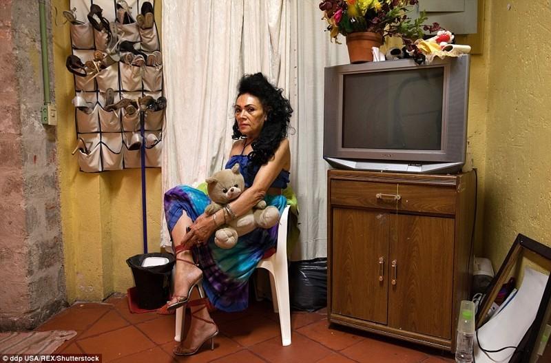 Куда попадают мексиканские проститутки, которые стали слишком стары для профессии