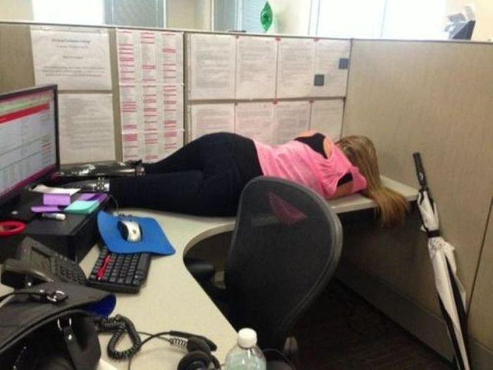 Не дня без смеха,  даже на работе!