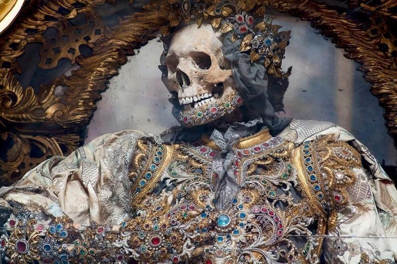Заметку о том, что прежде чем требовать захоронения ленина по христианскому обряду православной церкви неплохо