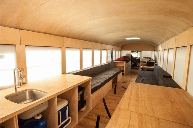 Студент архитектор не смог позволить купить себе дом, поэтому собрал его сам