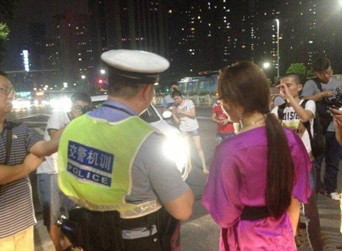 В Китае придумали идеальный способ наказания для тех, кому лень переключать дальний свет