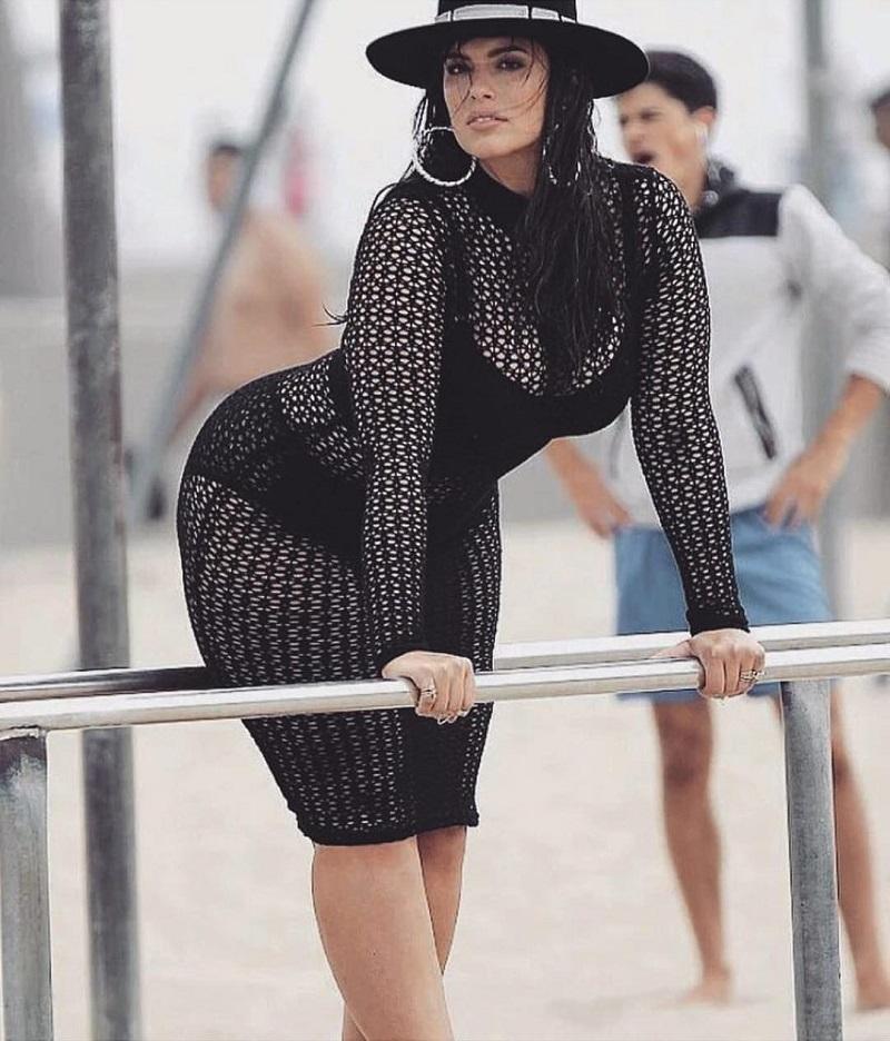 Знаменитая на весь мир модель размера плюс обнажилась и показала целлюлит... Провокационные снимки!