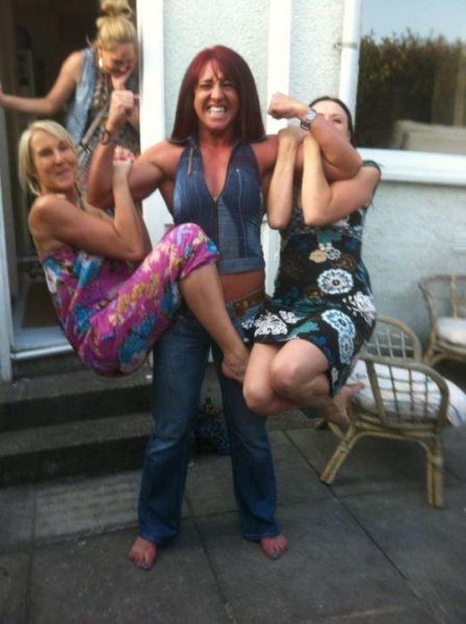 Девушки - сильный пол!