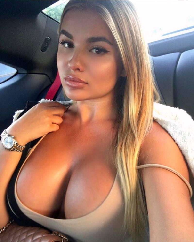 Российская Ким Кардашян переехала в Лос-Анджелес в попытке затмить настоящую Ким