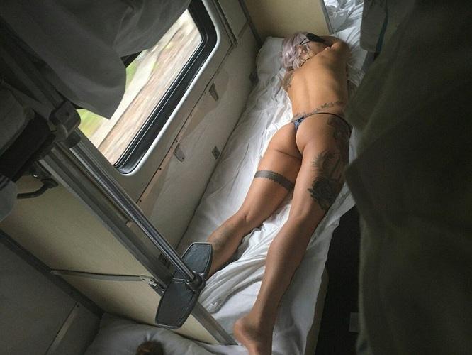 быть, раздевшись телочки с вагончиками фото несколько дней