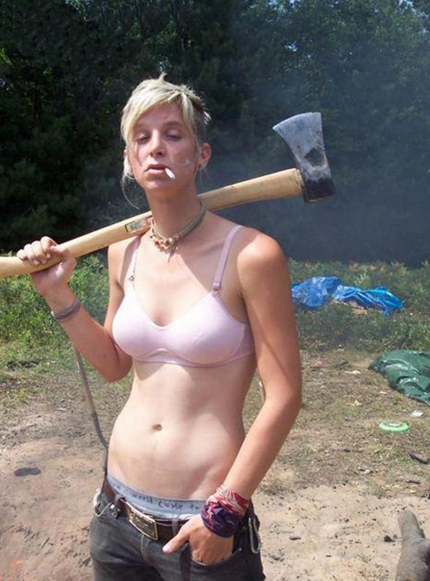 Тетя голая дома видео